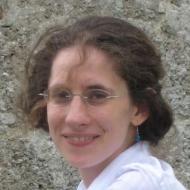 Dr. Lena Oetzel